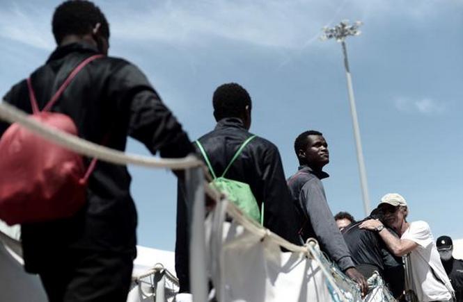 La farsa mediatica dell'immigrazione
