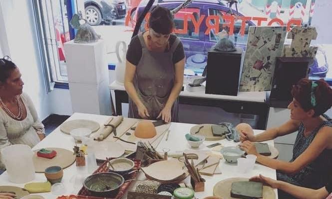 Pottery Lab: quattro donne invitano il quartiere a riscoprire l'arte della ceramica